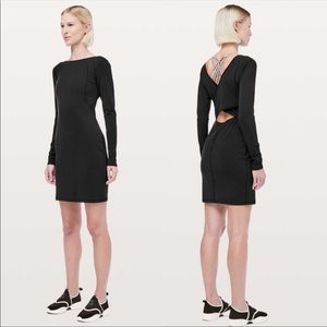 Lululemon NWT Contour Dress *Nulu Size 6